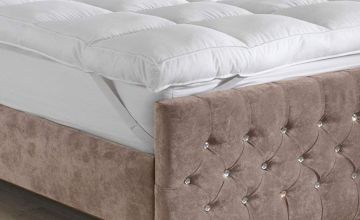 £15.99 instead of £59.99 (from Groundlevel) for a single thick microfibre single mattress topper, £24.99 for a double, £28.99 for a king or £30.99 for a superking - save up to 73%