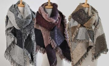 £9 instead of up to £37.99 (from Blu Fish) for an oversized blanket scarf - choose from grey, wine or brown colours and save 76%