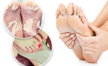 £1 instead of £14.99 for two peeling and exfoliating foot masks from Forever Cosmetics - save 93%