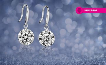 £7 instead of £59 for a pair of drop earrings made with crystals from Swarovski ® from Your Ideal Gift - save 88%