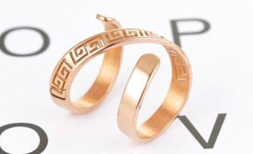£10.99 instead of £69.99 for a gold plated goddess thumb ring from GameChanger Associates - save 84%