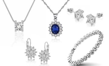 £8.99 for a piece of crystal jewellery with free earrings from GameChanger Associates