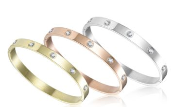 £8.99 instead of £40 (from Philip Jones) for a bangle made with crystals from Swarovski® - save 78%