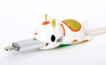 Go to Product: Lucky Cat Cable Critter - White