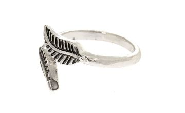 Go to Product: Silver Feathered Toe Ring