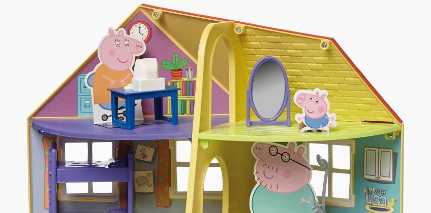 Peppa Pigs Family Home Playset from Studio