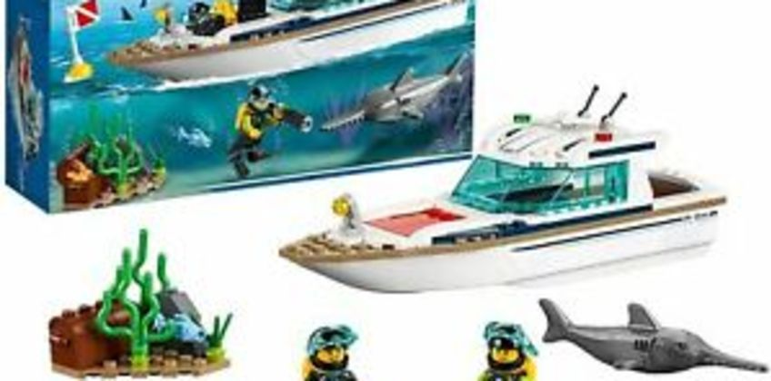 Lego City 60221 Diving Yacht from ebay