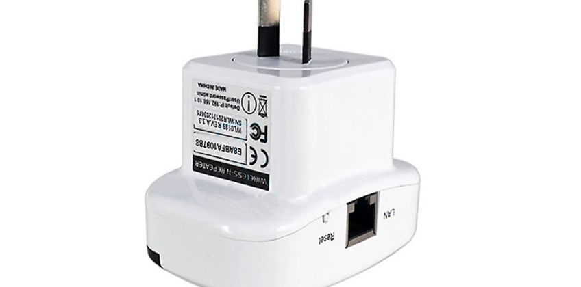 Plug-In Wi-Fi Booster from GoGroopie