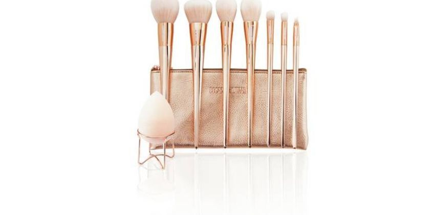 Cosmopolitan 7 Piece Make Up Brush Set from Argos