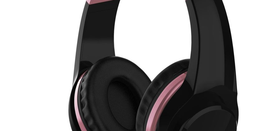 4Gamers Officially Licensed PS4 Headset - Rose Gold & Black from Argos