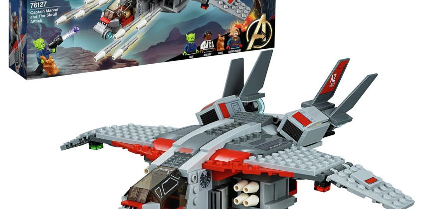 LEGO Captain Marvel & The Skrull Attack Toy Jet - 76127 from Argos