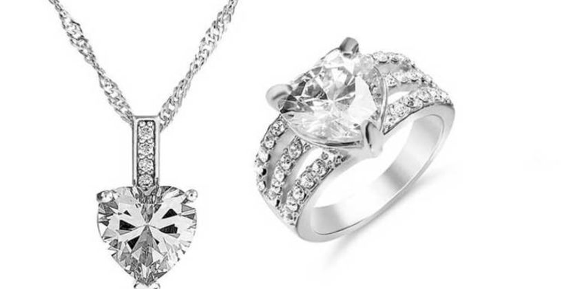 £15.99 instead of £199.98 (from Gemnations) for a clear heart crystal jewellery set cleaner - save 92% from Wowcher