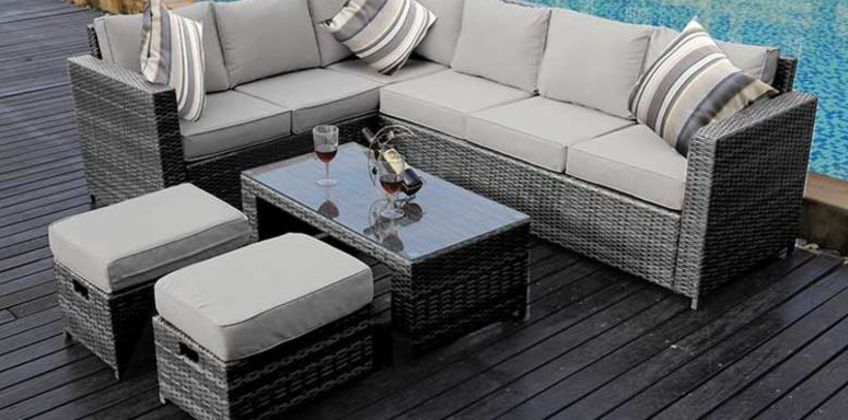 £439 instead of £999.99 (from Dreams Outdoors) for an 8-seater rattan sofa set or £469 for a sofa set with rain cover- save up to 56% from Wowcher