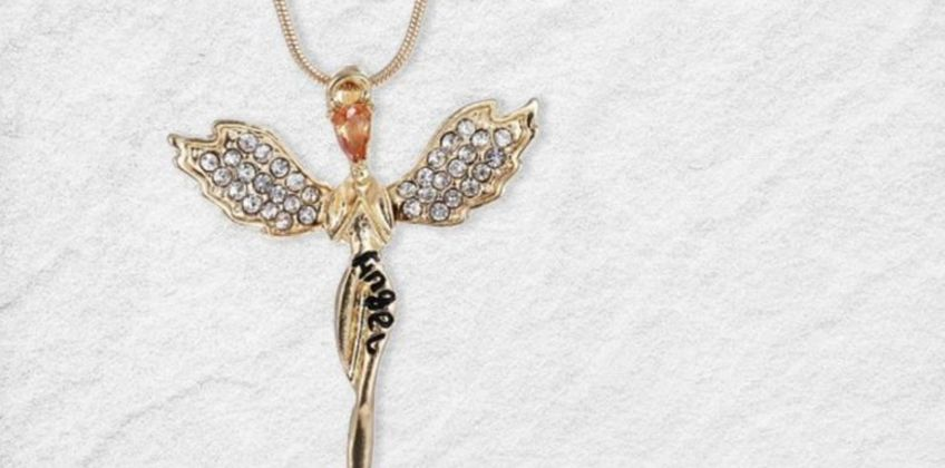 £7.99 instead of £49 (from Your Ideal Gift) for a guardian angel necklace made with crystals from Swarovski® - save 84% from Wowcher