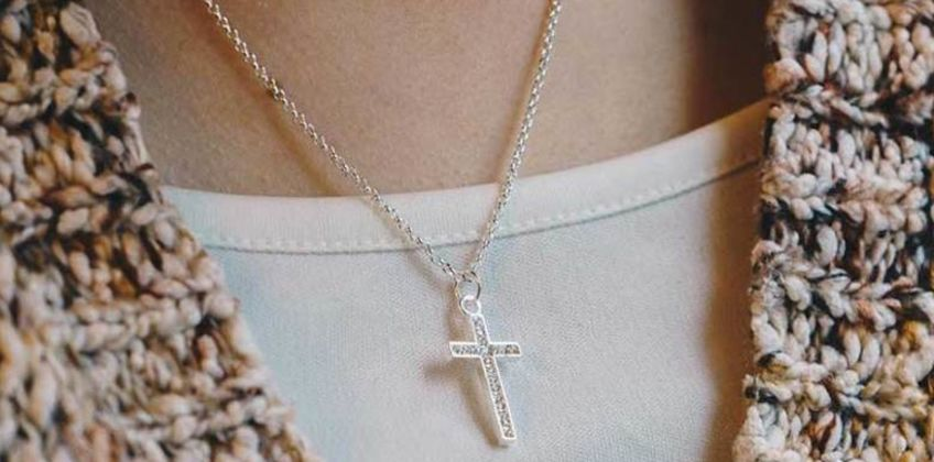 £6.99 instead of £17.99 (from Philip Jones) for a silver plated pave cross necklace made with crystals from Swarovski ® – save 61% from Wowcher