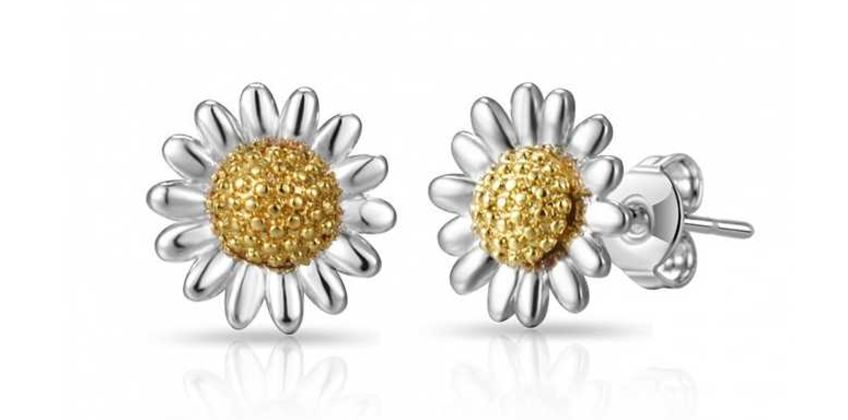 £4.99 instead of £13.99 (from Philip Jones) for a pair of daisy earrings - save 58% from Wowcher