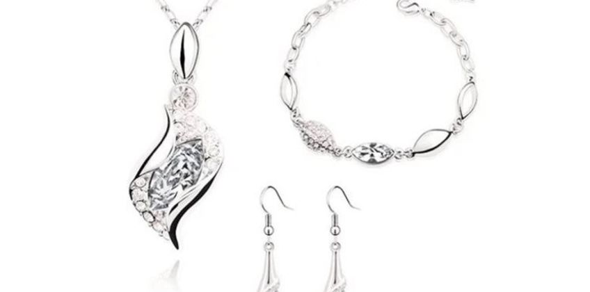 £12 for a crystal drop tri set from Evoked Design  from Wowcher