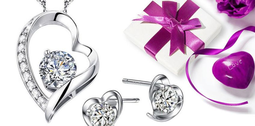 £12 instead of £30 (from Sreema London) for a sterling silver dazzling heart necklace and earrings set - save 60% from Wowcher