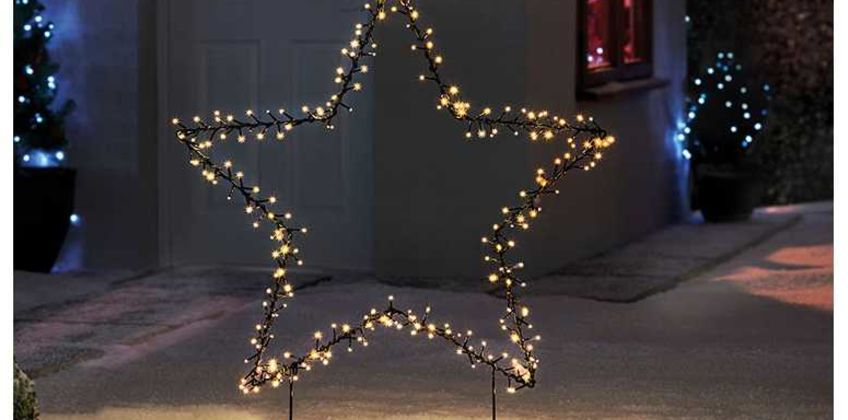 £34.99 instead of £76.95 (from CJ Offers) for a 225-LED outdoor star lights - save 55% from Wowcher