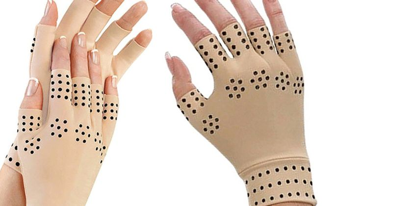 £2.99 instead of £13 (from Glamza) for a pair of finger less magnetic arthritis gloves - save 77% from Wowcher