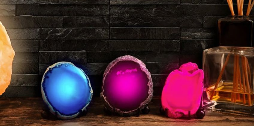 £7.99 instead of £13.99 (from Avant Garde) for a mineral rock LED lamp - save 43% from Wowcher