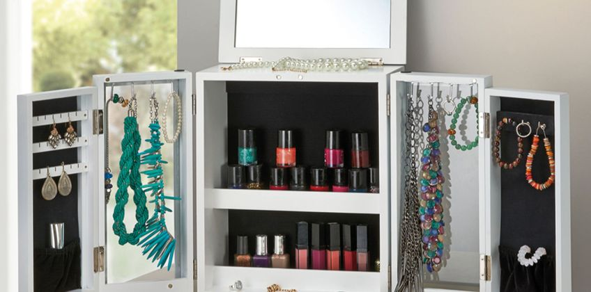 £24.99 (from CJ Offers) for a large table top jewellery organiser and display case! from Wowcher