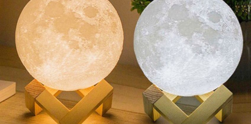 £7.99 instead of £69.99 (from Wow What Who) for an LED 3D moon lamp - save 89% from Wowcher