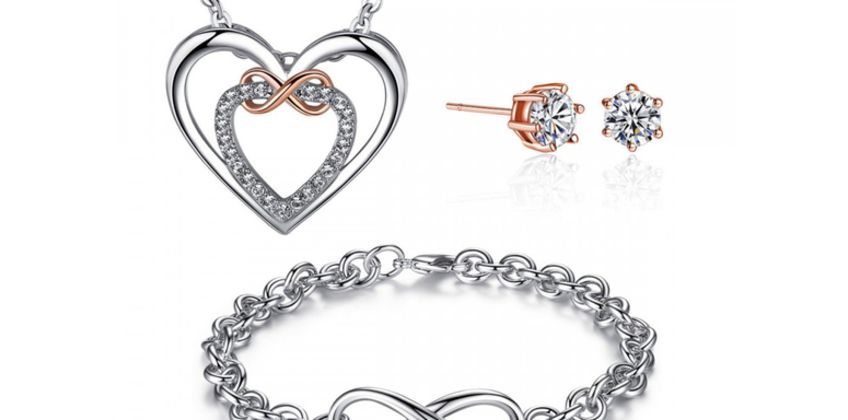 £19.99 (from Your Ideal Gift) for an infinity tri-set made with crystals from Swarovski ®  from Wowcher