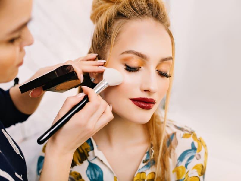Imagem de destaque do post Aprenda a fazer uma maquiagem passo a passo