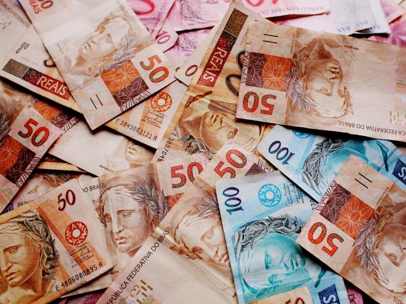 Imagem de destaque do post Finanças para garotas – Como controlar seus gastos