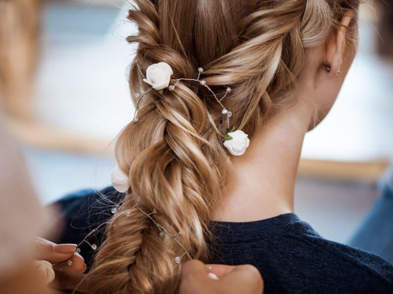 Imagem de destaque do post Confira dicas de penteados de festa para todas as ocasiões
