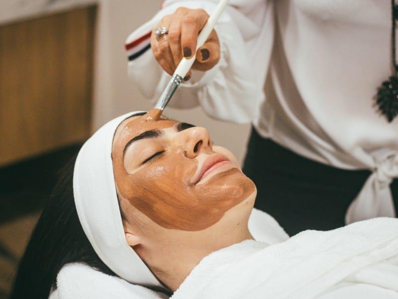 Imagem de destaque do post Tratamento facial: saiba como gastar pouco e ainda assim manter a pele sempre bonita!