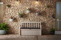Gartenbank mit Kissentruhe 265 Liter wetterfester Stauraum der Blickfang im