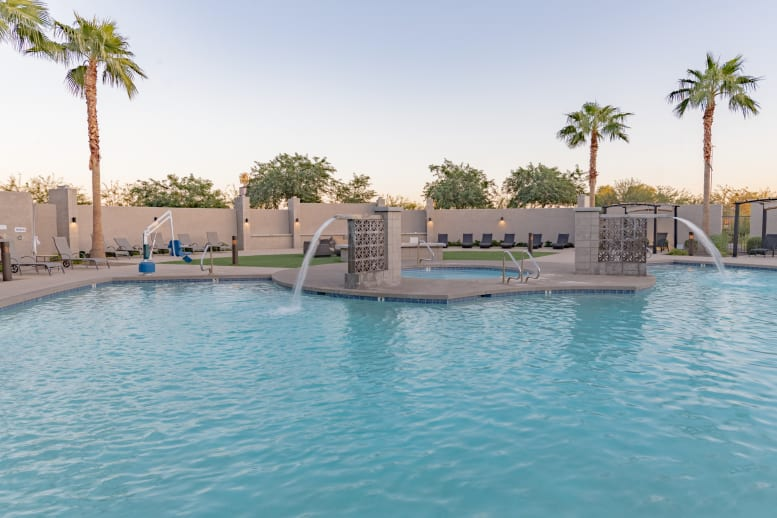 GCU Hotel Outdoor Pool and Hot Tub