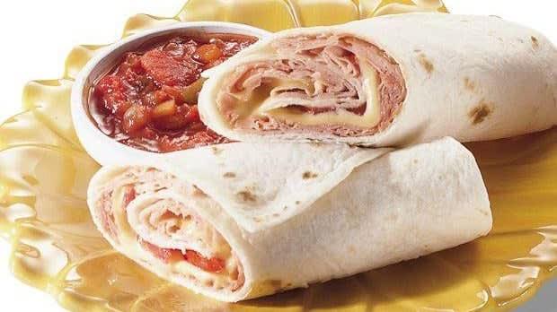 Wraps chauds au jambon, au fromage et à la tomate