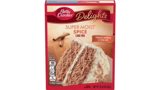 Betty Crocker™ Super Moist™ Delights Spice Cake Mix - Front