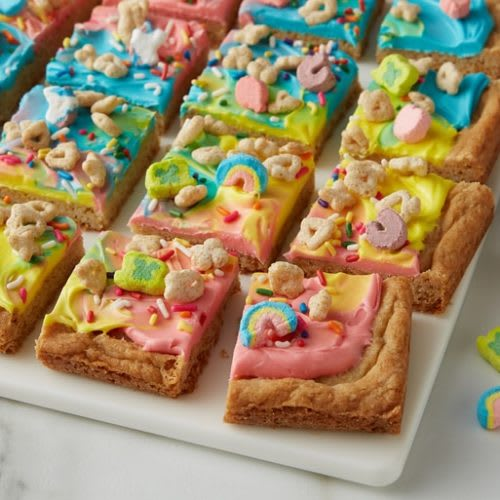 Rainbow Lucky Charms™ Frosted Cookie Bar Chunks