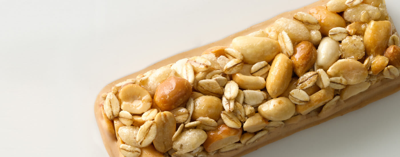 Sweet and salty peanut oats bar