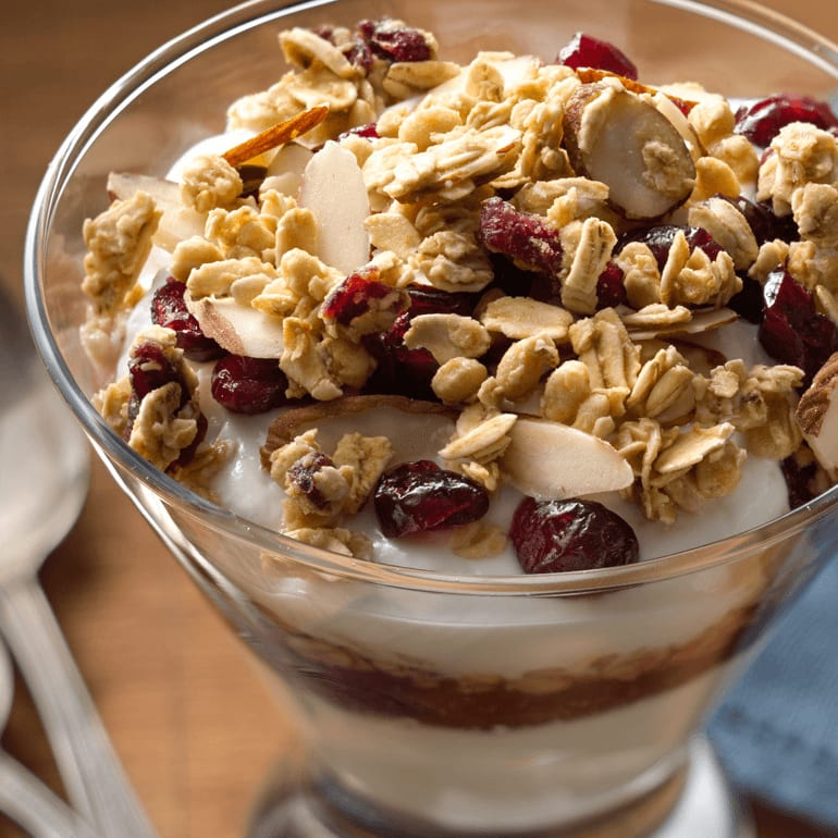 bowl of Cranberry Vanilla Yogurt Parfait