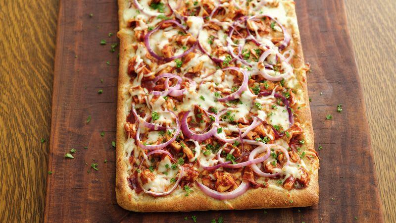 Pizza au poulet BBQ – sur le gril !