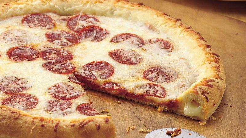 Pizza à croûte farcie