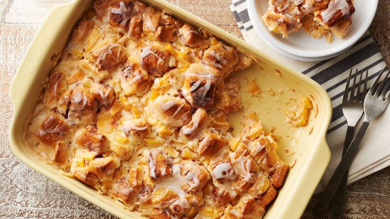 Cinnamon Roll-Peach Pie Breakfast Casserole