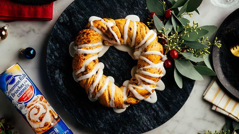 Cinnamon Bun Wreath