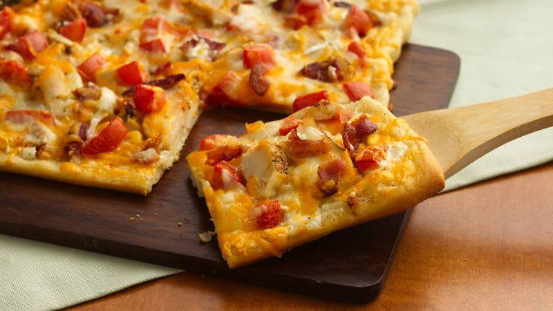 Pizza ranch au poulet et au bacon