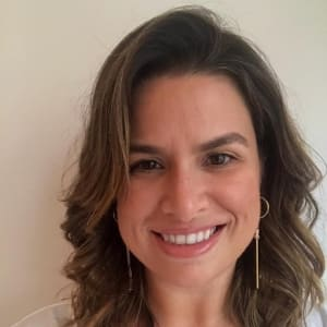 Helena Tavares headshot