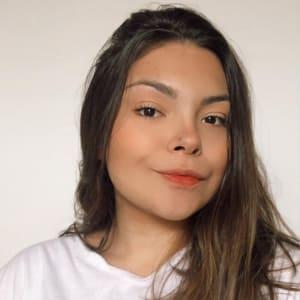 Isabela  Vieira headshot