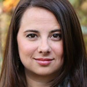 Dana Lee headshot