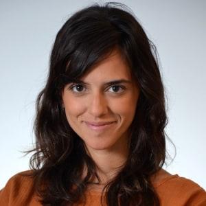 Gabriela Paranhos headshot