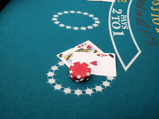 Carte sulla tavola di blackjack