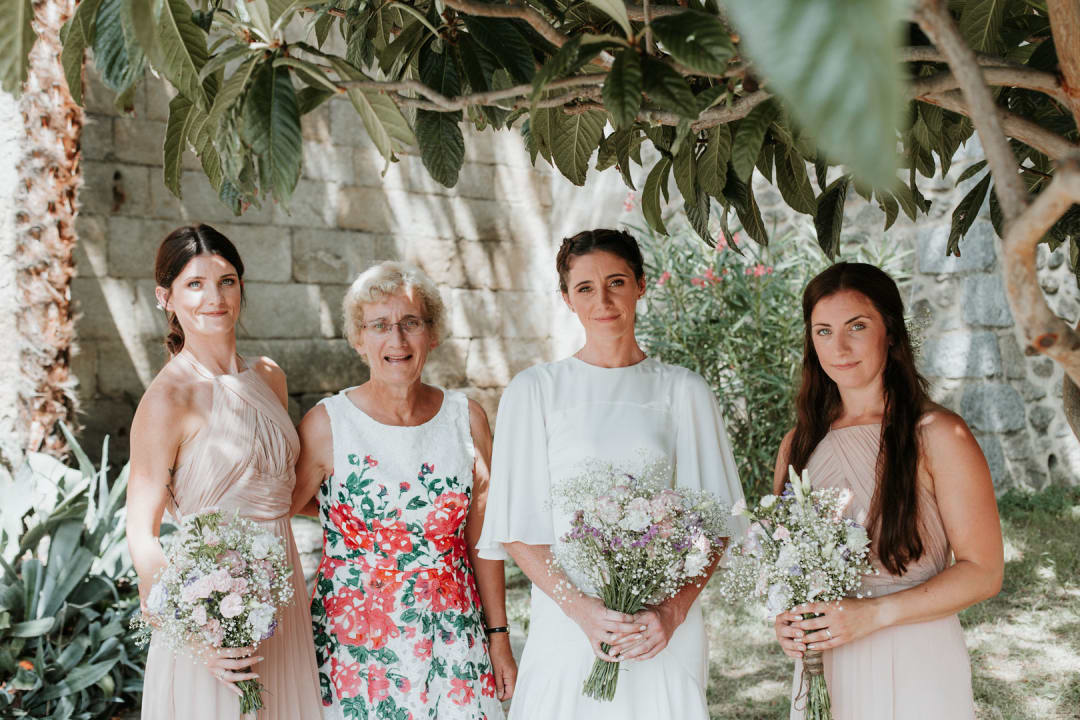 A photograph of the bride and bridesmaids